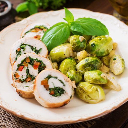 Kiprolletjes met spinazie en spruitjes - Koolhydraatarme recepten met kip