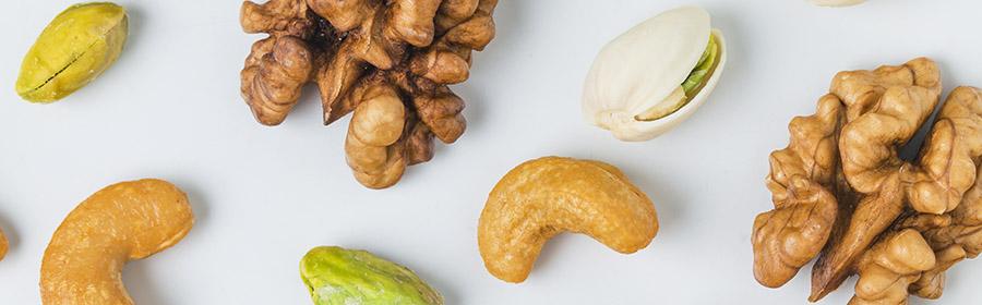 voedsel-met-veel-calorieen-calorierijk-eten-noten