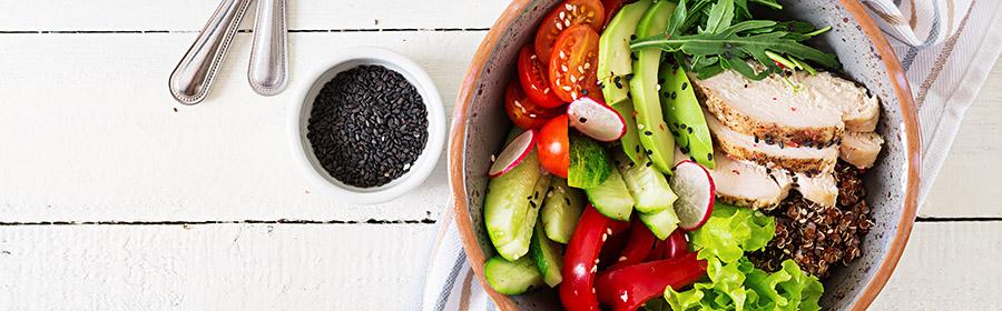 voedsel-met-veel-calorieen-calorierijk-eten-salade