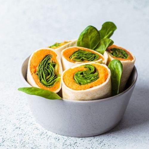 Vegan wraps met zoete aardappel, spinazie en hummus recept